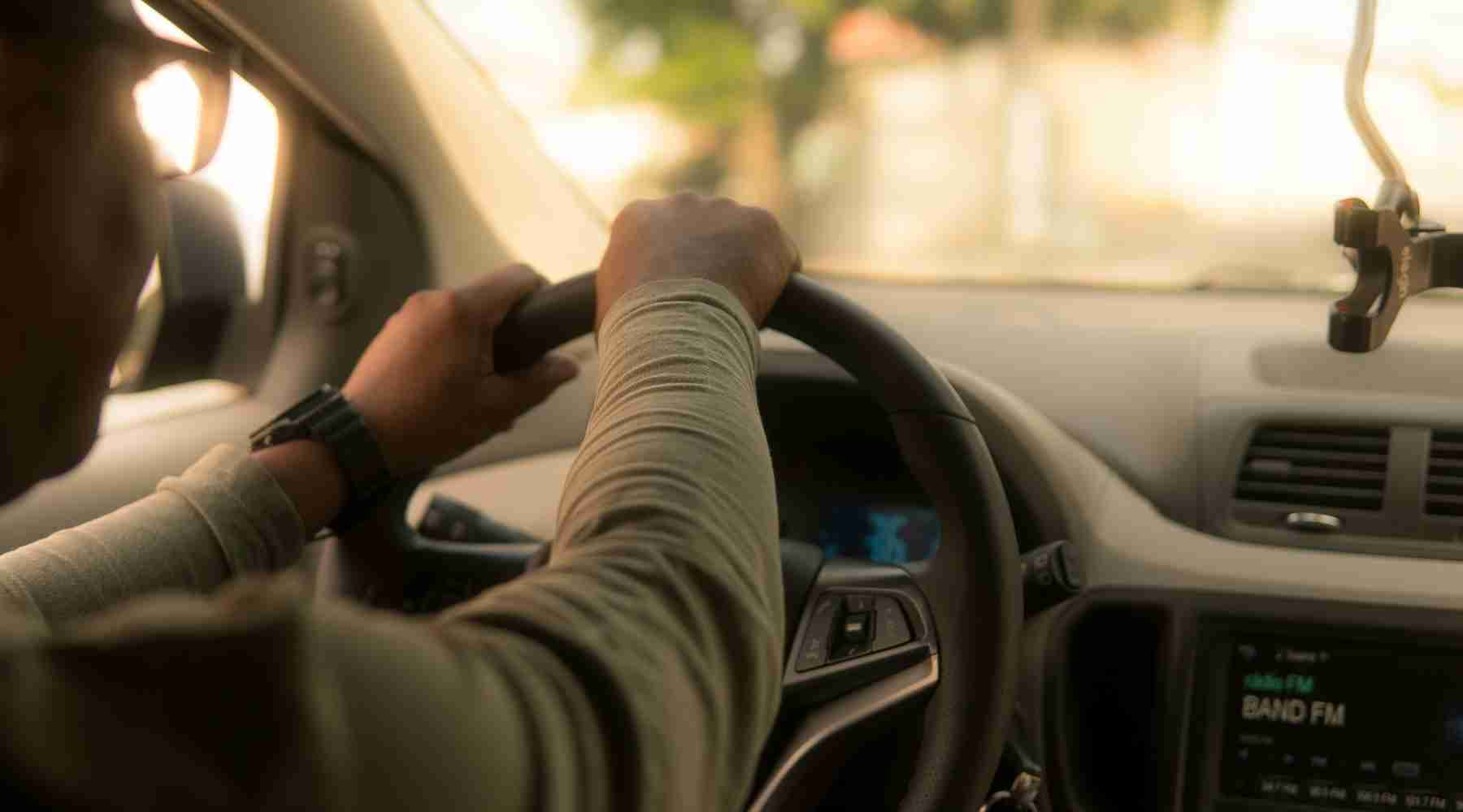 Make $300 Driving for Ridehailing Services